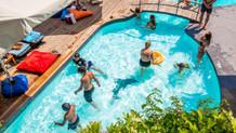 Endonezyalı yetkili: Erkeklerle aynı havuzda yüzen kadınlar hamile kalabilir