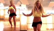 Britney Spears video çekerken ayağını kırdı