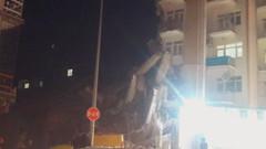 Elazığ'da 6.8'lik büyük deprem: Türkiye sallandı