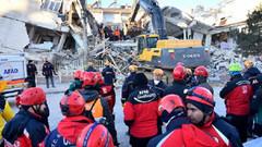 Sabah yazarı Dilek Güngör deprem vergisi nereye gitti sorusunu böyle yanıtladı