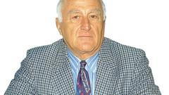 Milliyet'in ünlü spor yazarı koronavirüsten hayatını kaybetti