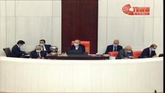 Meclis'te koronaya karşı maskeli oturum