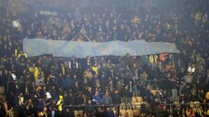 Fenerbahçe taraftarı Comolli'yi kovdu: Go Home Damien!