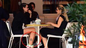 Yasemin Özilhan'ın ayak bileğindeki dövmenin anlamı ne?