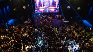 TV8 ve Acun Medya'nın yeni yıl partisine ünlü akını