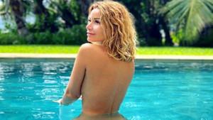 Ünlü şarkıcı Olga Orlov'un çıplak havuz pozu sosyal medyada tepki çekti