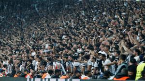 Beşiktaş taraftarı ayaklandı: İmamoğlu'na mazbatayı ver!