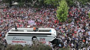 Ekrem İmamoğlu'na Trabzon'da sevgi seli: Bir şey bulamıyorlar, etnik kökenle uğraşıyorlar