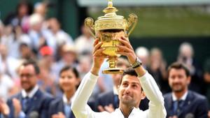 5 saat süren maç sonunda Djokovic şampiyon oldu