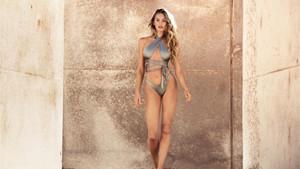 Victoria's Secret meleği Candice Swanepoel bikini markasını tanıttı