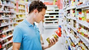 Raflarda ulusal markalarla market markaları savaşıyor