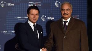 Darbeci Hafter'den Erdoğan'a kritik mesajlar