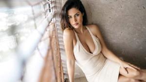 Tuğba Ekinci bikinili pozunu paylaştı: Bunlar kışın lazım