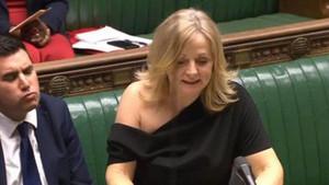 İngiliz milletvekilinin kıyafeti ortalığı karıştırdı: Meclis için uygun mu?