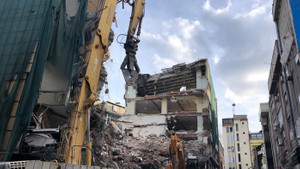 Kızılay'da şimdi de rapor skandalı: Sağlam binayı riskli raporu alıp yıktılar...