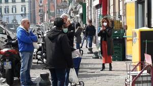 Koronavirüs güncesi: İtalya'da ekmek kuyruğu