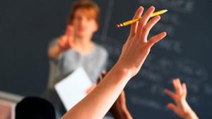Ücretli öğretmenler maaş alamadan çalışıyor