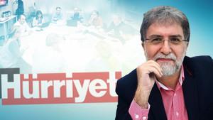 Ahmet Hakan tek tek tanıttı! İşte Hürriyet'in idare edildiği masa!