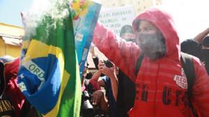 Dünya Kupası karşıtı gösteriye polis müdahalesi