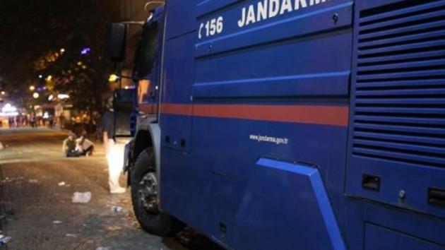 Divan Otel kapısında Jandarma TOMA'sı!