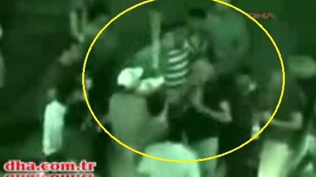 Eli sopalı tim İzmir'de kan dondurdu, polis izledi!