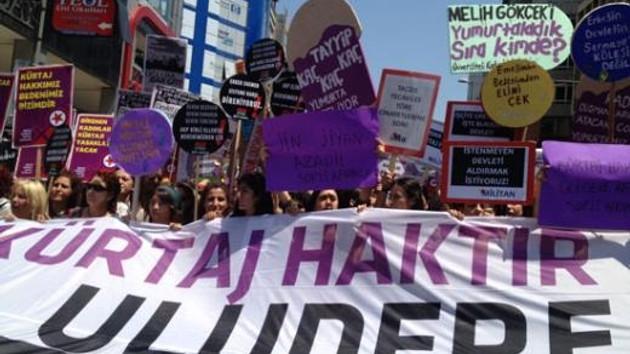 Kadıköy'de kadınlardan Kürtaj protestosu!