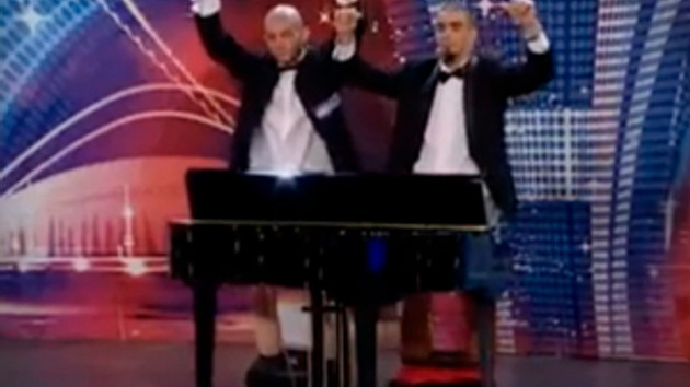 Yunan yetenek yarışmasında şok! Hülya Avşar görse dilini yutar!