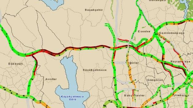 TEM'de trafik kazası! Trafik felç oldu!