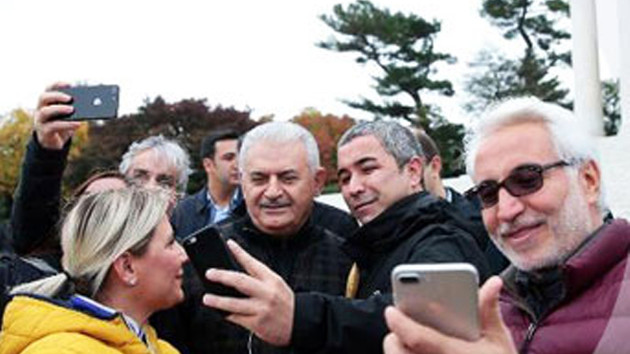 Şehit Mustafa Cambaz'ın oğlundan AKP tepkisi: Ucuz Ayfon nerede bulabiliriz?