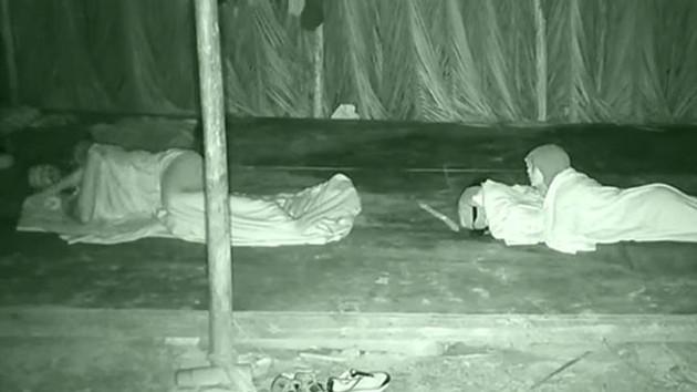 Survivor Adem herkesi şoke etti: Uykusunda konuştu