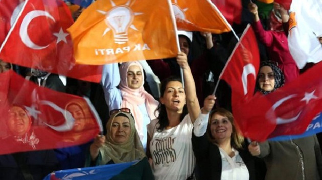 AK Parti yüzde 35 MHP yüzde 18 Gezici anketinde şok sonuçlar