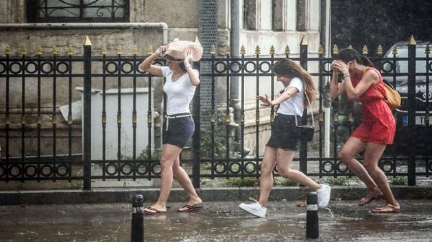 Meteoroloji'den uyarı: Hafta sonu yağış var sıcaklıklar düşecek