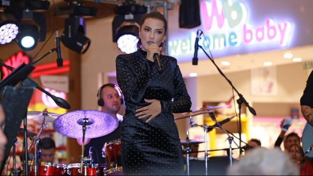 Yeşim Salkım: O şarkıcıları kanırta kanırta sileceğiz