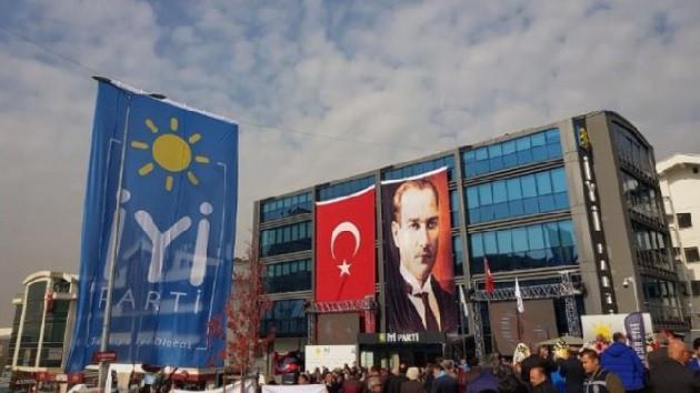 İYİ Parti'de deprem! İsmail Koncuk, GİK'ten istifa etti