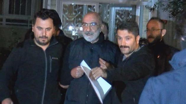 Ahmet Altan'ı bir hafta arayla hapisten çıkaran, tekrar hapse atan güç nedir?