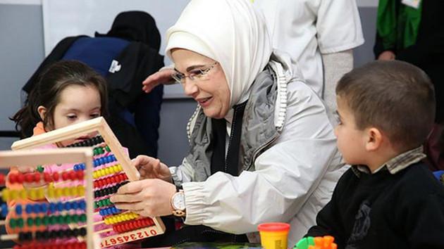 Emine Erdoğan'dan otizmli çocuklara yapılan ayıba tepki