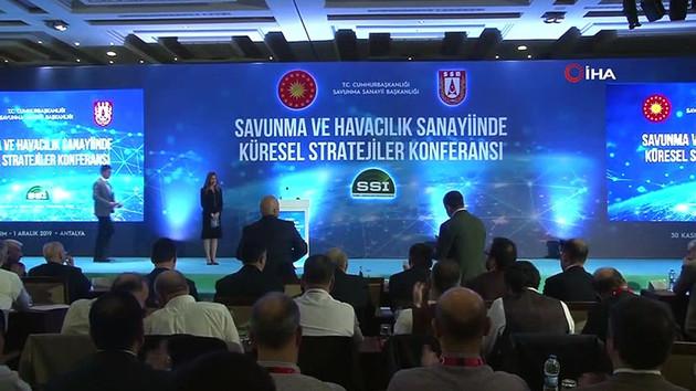 Savunma sanayi toplantısında kameralar önünde sert tartışma