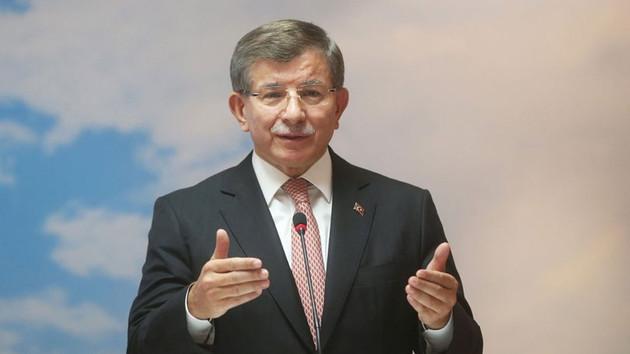 Konya toplantısında Davutoğlu krizi