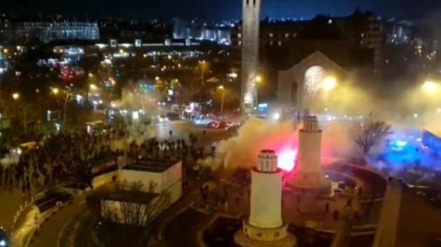 Paris Saint Germain Galatasaray maçı öncesi taraftarlar arasında olay çıktı