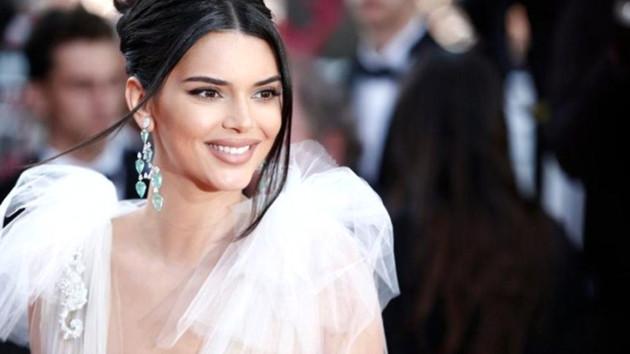Kylie Jenner iç çamaşırlı pozlarıyla 2019'a veda etti! Beğeni yağdı
