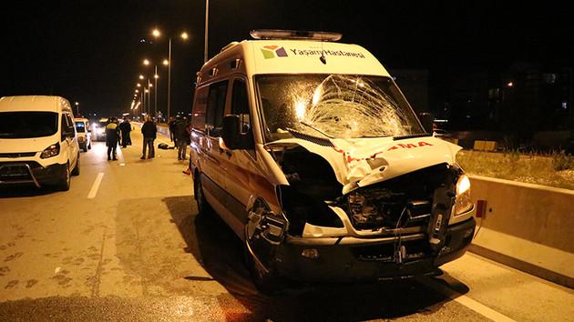 Antalya'da acı ölüm! Yaya geçidinde ambulans çarptı