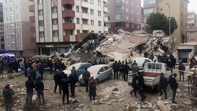 Son dakika: İstanbul'da çöken bina için yayın yasağı geldi