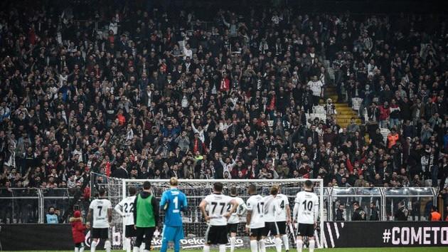 Vodafone Park'ta taraftarlar futbolcuları çağırmadı