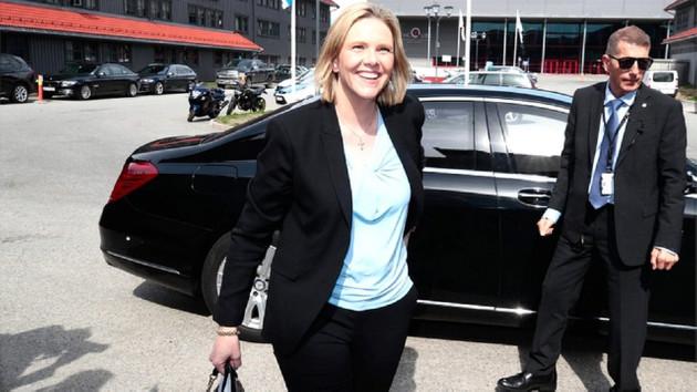 Norveç Sağlık Bakanı: Bırakın insanlar içki ve sigara içsin, kırmızı et yesin