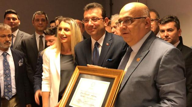 Mazbatasını alan İBB Başkanı Ekrem İmamoğlu'ndan ilk paylaşım