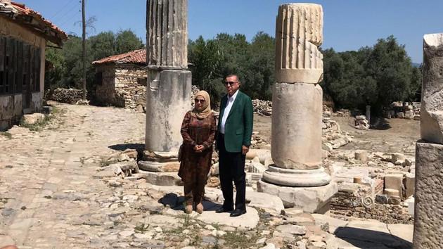 Cumhurbaşkanı Erdoğan ve Emine Erdoğan Muğla'da tarihi yerleri ziyaret etti