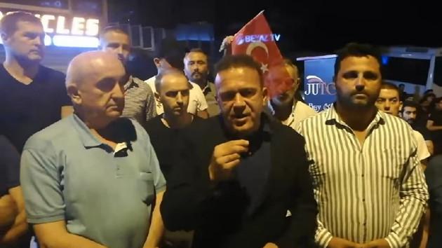 Boşnaklardan Beyaz TV önünde ROK protestosu