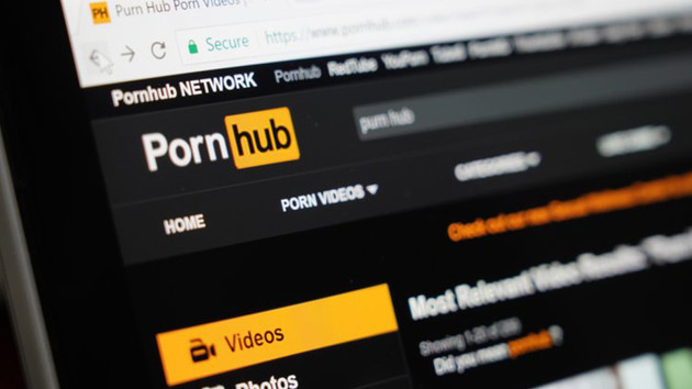 PornHub'ın ortağı kadınları pornoya zorlamış