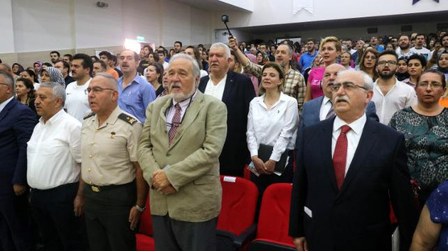 Zafer Haftası töreninde İstiklal Marşı skandalı