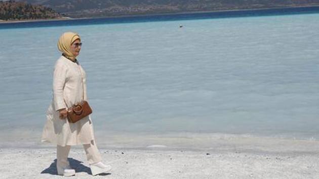 Salda Gölü'nü ziyaret eden Emine Erdoğan'dan yapılaşma açıklaması!